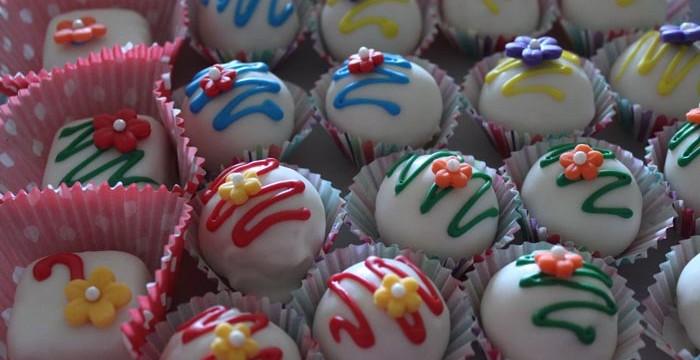Snow White Cake Bites