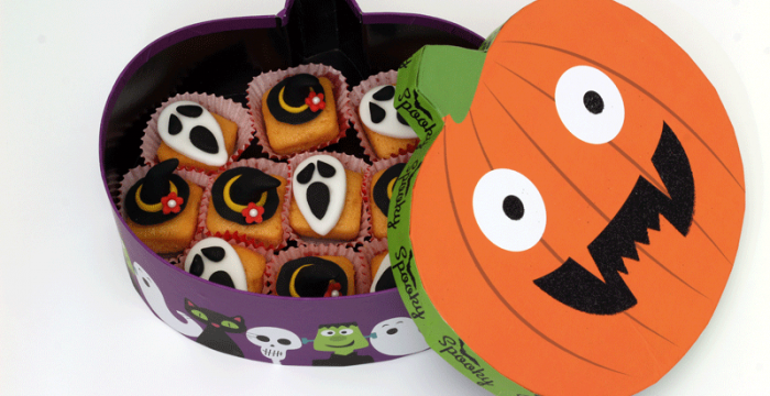Halloween Theme cake bites with Witch's hat and Ghost